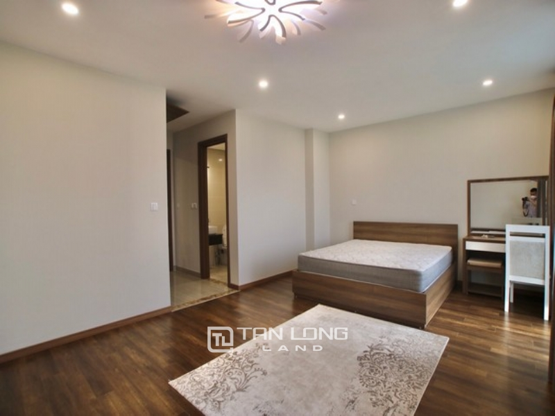 High class and Golf view 3 bedroom apartment for rent in L3 The Link Ciputra 1