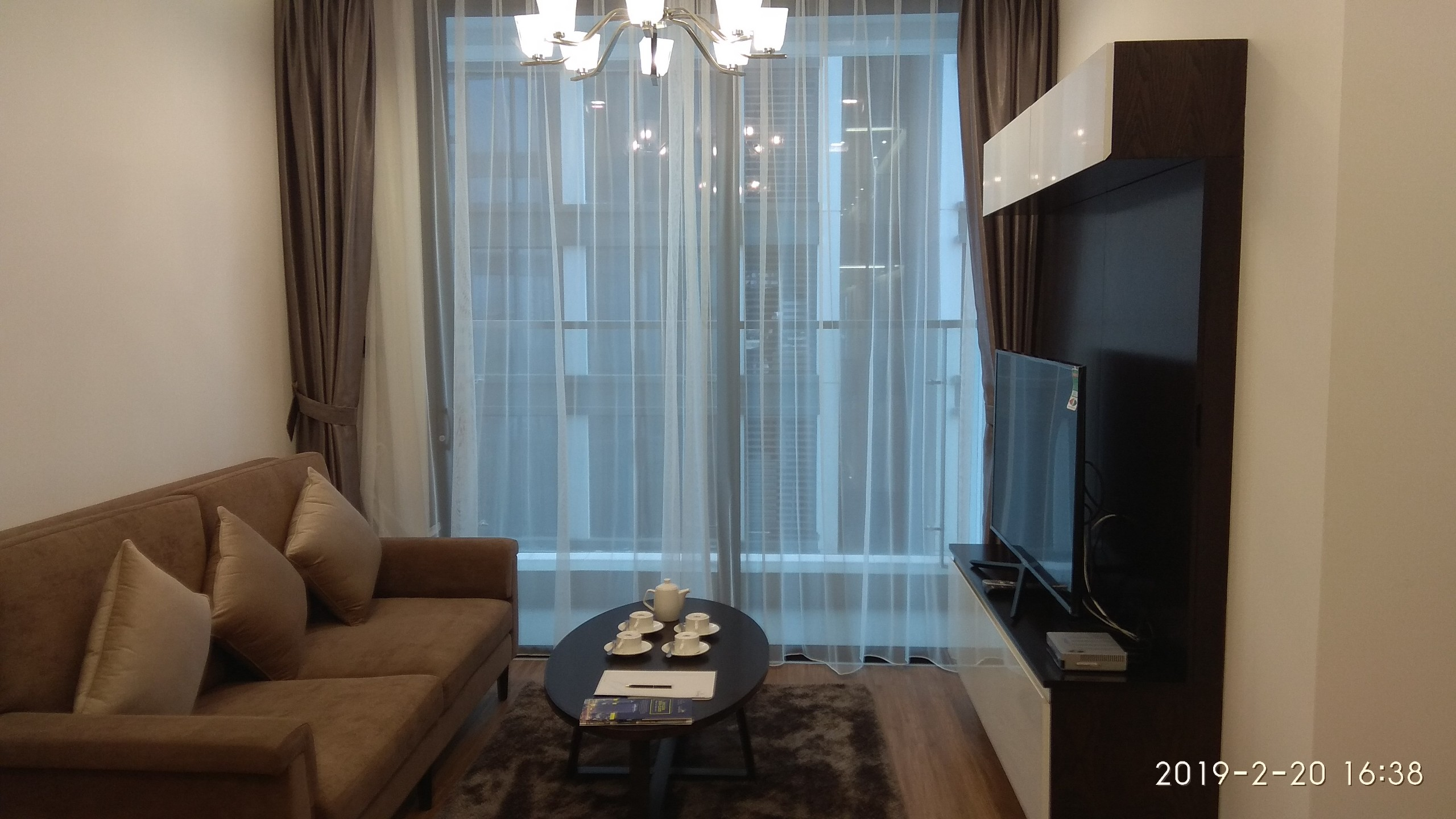 High end 1 bedroom apartment for rent in M2 Vinhomes Metropolis