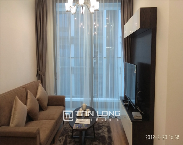 High end 1 bedroom apartment for rent in M2 Vinhomes Metropolis 1