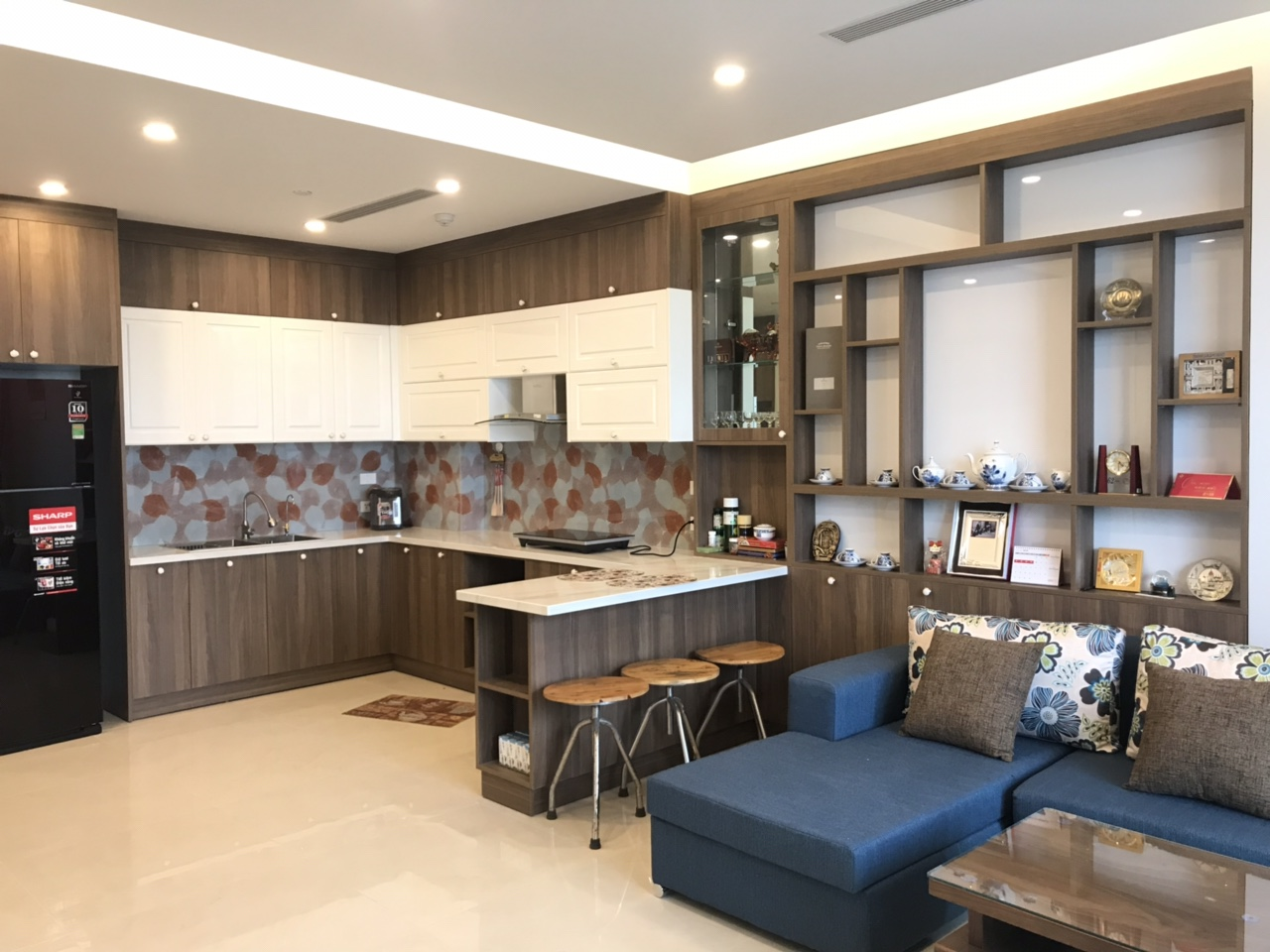 High end 2 bedroom apartment for rent in Sun Grand Thuy Khue