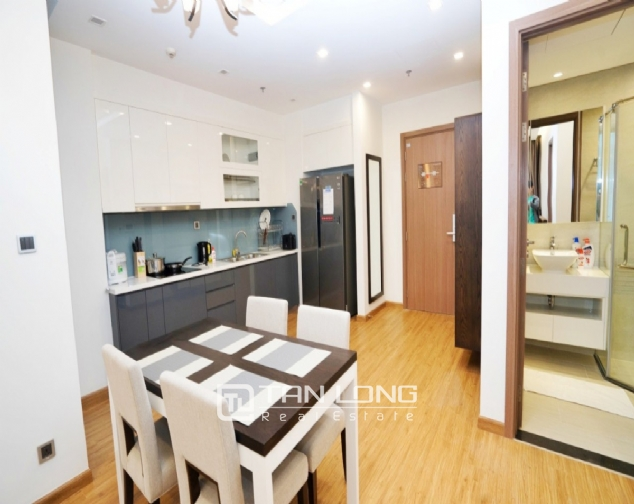 High end 2 bedroom apartment for rent in Vinhomes Metropolis 3