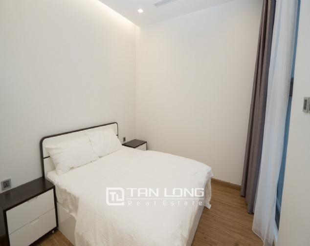 High end 2 bedroom apartment for rent in Vinhomes Metropolis 7