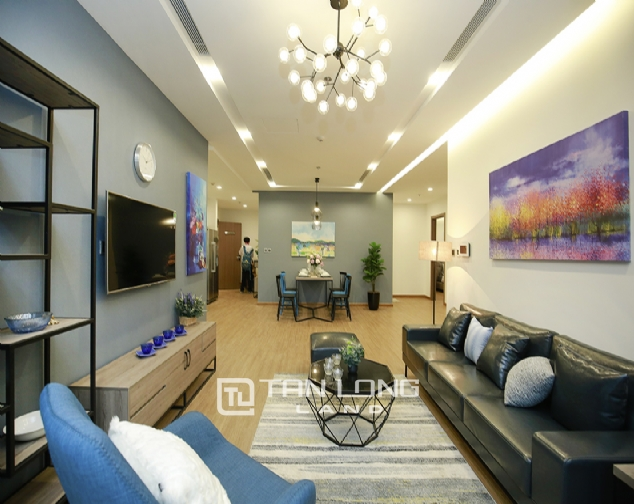 High end 3 bedroom apartment for rent in Vinhomes Metropolis 1