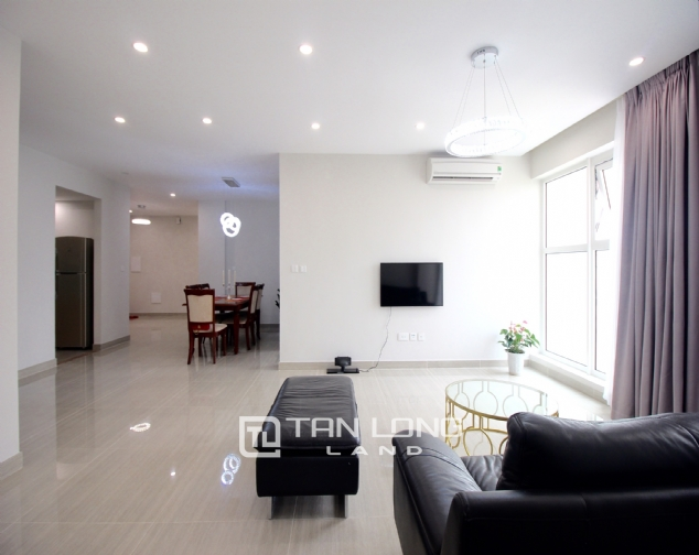 High floor and well- equipped 3 bedroom apartment for rent in L3 The Link Ciputra urban area 2