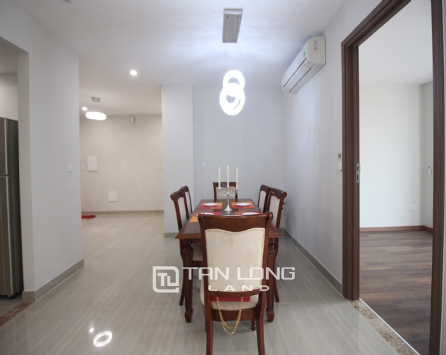 High floor and well- equipped 3 bedroom apartment for rent in L3 The Link Ciputra urban area 3