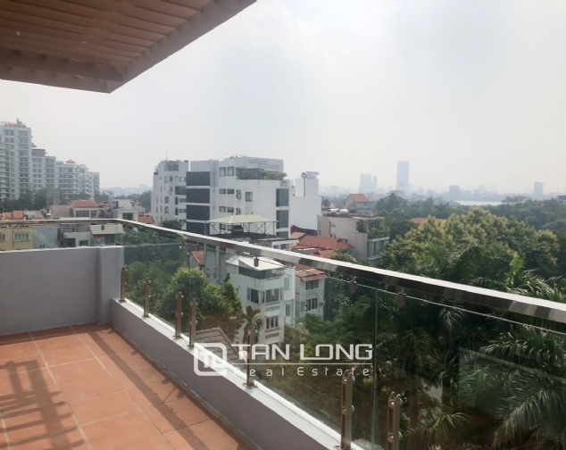 High floor apartment for lease in Tay Ho street, Tay Ho district! 3