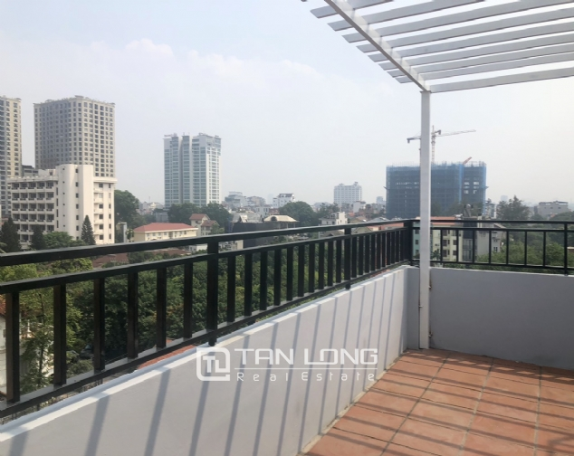 High floor apartment for lease in Tay Ho street, Tay Ho district! 1