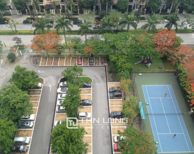 High floor apartment with 3 bedrooms for sale in E5 Ciputra 8