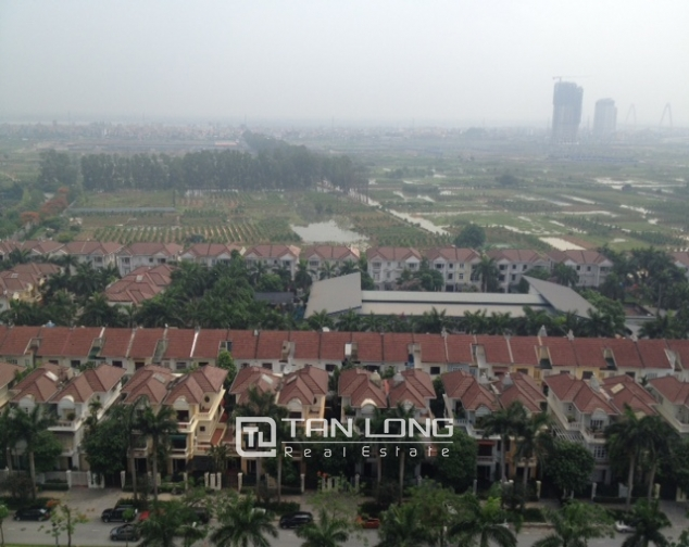 High floor apartment with 3 bedrooms for sale in E5 Ciputra 9