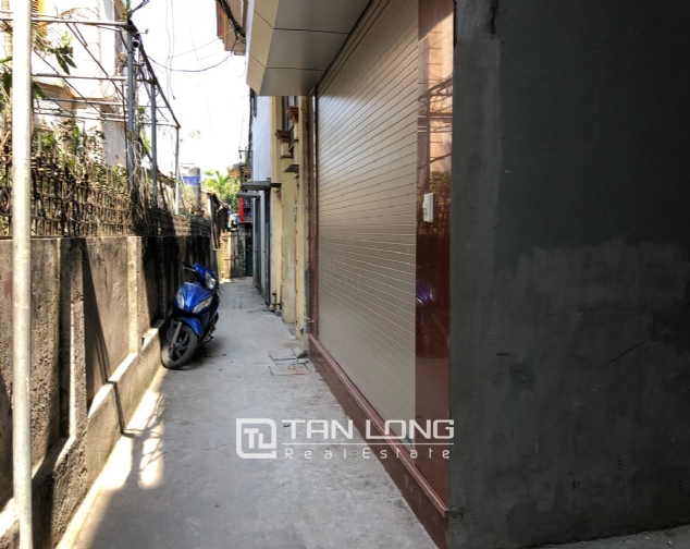 High floor house for rent in Au Co street, Tay Ho district! 1