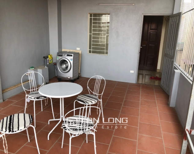 High floor house for rent in Au Co street, Tay Ho district! 4