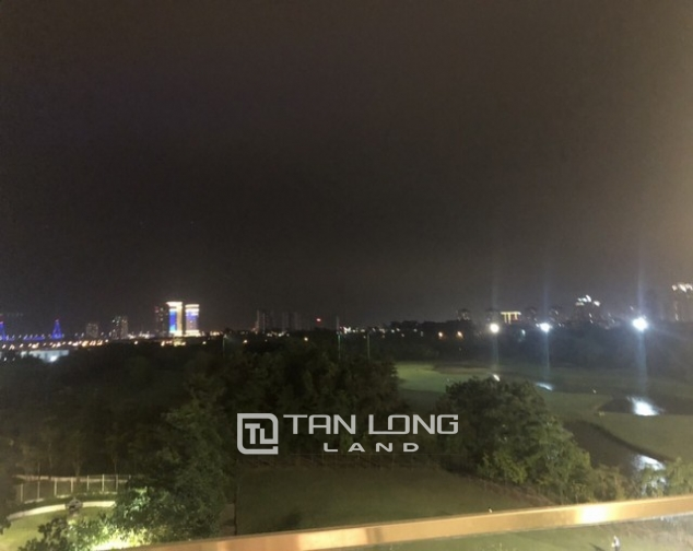 High rise and spacious 2 bedroom apartment for rent in L tower The Link Ciputra 7