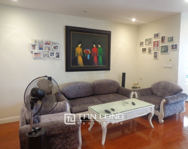 High-end apartment with 3 bedrooms for rent in Kinh Do Tower, 93 Lo Duc 2
