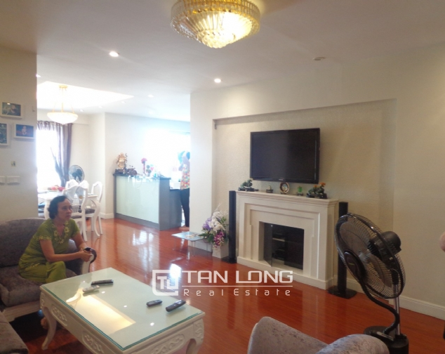 High-end apartment with 3 bedrooms for rent in Kinh Do Tower, 93 Lo Duc 4