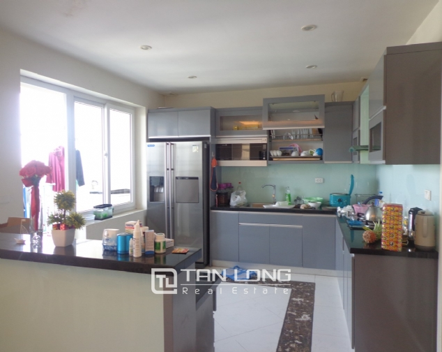 High-end apartment with 3 bedrooms for rent in Kinh Do Tower, 93 Lo Duc 7