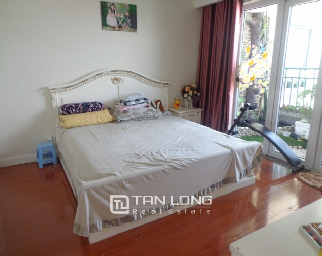 High-end apartment with 3 bedrooms for rent in Kinh Do Tower, 93 Lo Duc 8