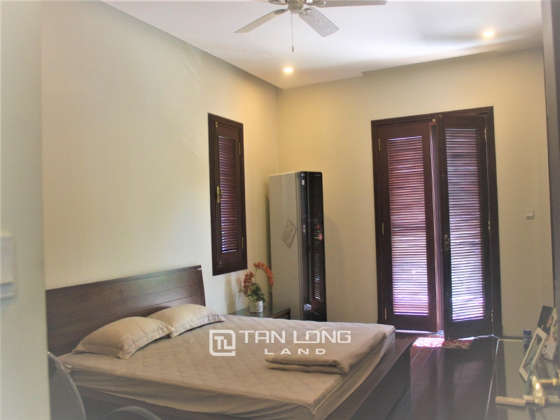 HIGH-END UTILITIES VILLAS FOR RENT IN HOA PHUONG  - VINHOMES RIVERSIDE 4