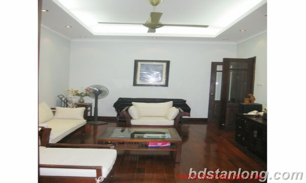 House for rent in An Duong street, Tay Ho, Ha Noi 5