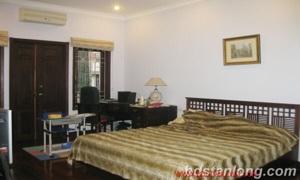 House for rent in An Duong street, Tay Ho, Ha Noi 10