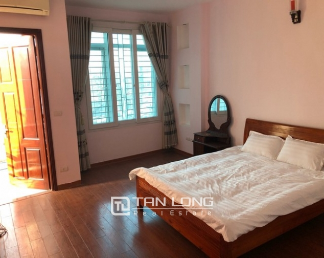House for rent in Au Co street, Nghi Tam village, Tay Ho district 6
