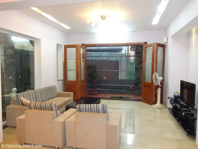 House for rent in Dang Thai Mai street 4