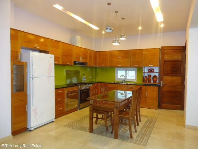 House for rent in Dang Thai Mai street 5