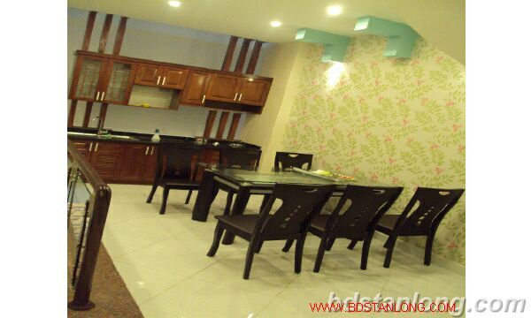 House for rent in Lac Long Quan, Tay Ho, Ha Noi 4