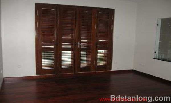 House for rent in Thuy Khue street, Tay Ho dist, Ha Noi 2