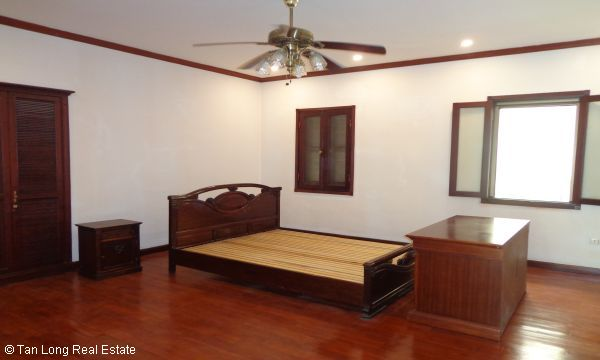 House for rent in To Ngoc Van street, Tay Ho district. 8