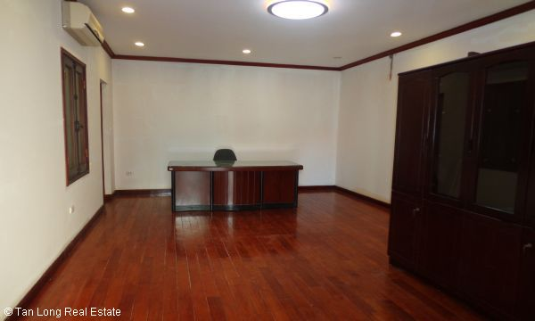 House for rent in To Ngoc Van street, Tay Ho district. 2