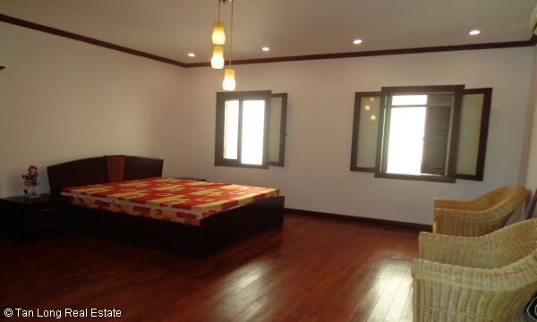 House for rent in To Ngoc Van street, Tay Ho district. 5