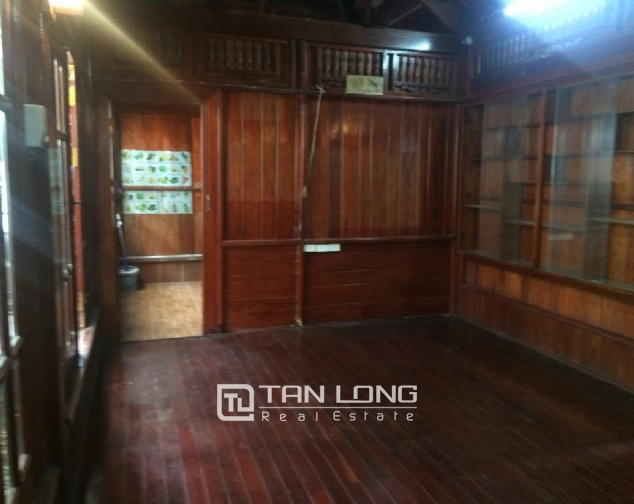 House for rent on Lane 97, Van Cao street, Ba Dinh 3