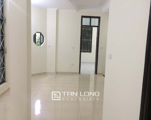 House for rent on Lane 97, Van Cao street, Ba Dinh 5