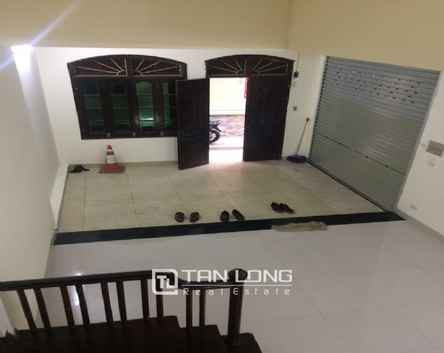 House for rent on Lane 97, Van Cao street, Ba Dinh 6