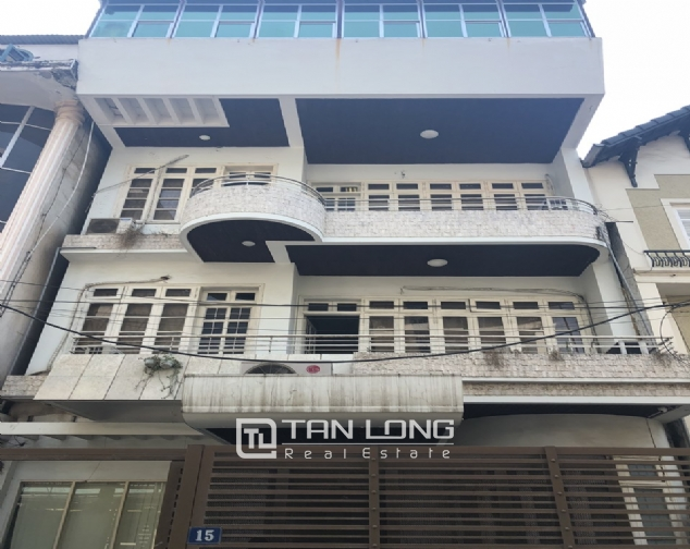 House for rent to make office in Tay Ho street 1