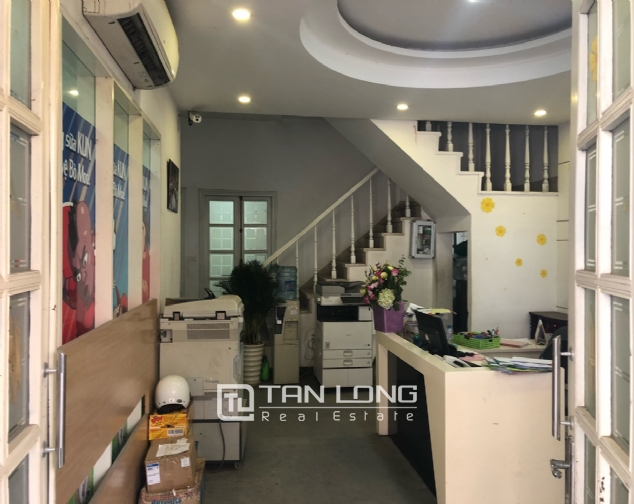 House for rent to make office in Tay Ho street 3