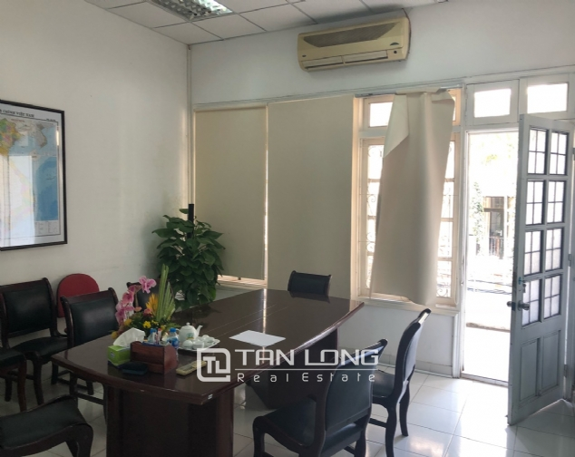 House for rent to make office in Tay Ho street 5