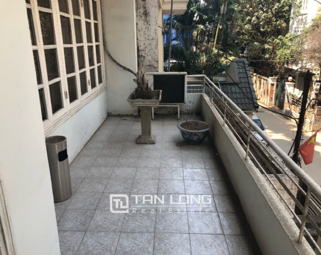 House for rent to make office in Tay Ho street 9