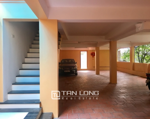 House for rent with 4 bedrooms on To Ngoc Van street, Tay Ho district! 1