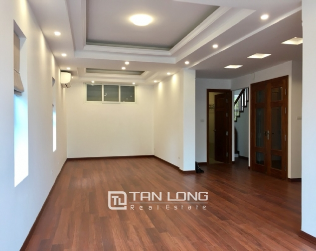 House for rent with 4 bedrooms on To Ngoc Van street, Tay Ho district! 4