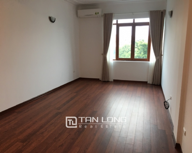 House for rent with 4 bedrooms on To Ngoc Van street, Tay Ho district! 10