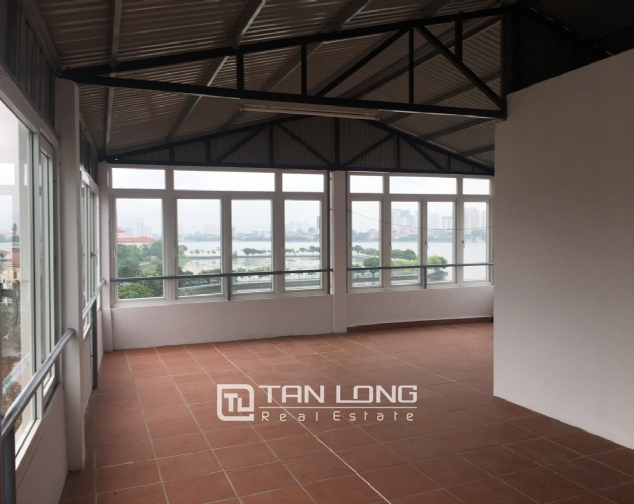 House for rent with 4 bedrooms on To Ngoc Van street, Tay Ho district! 3