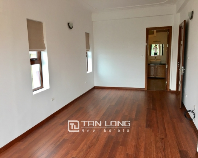 House for rent with 4 bedrooms on To Ngoc Van street, Tay Ho district! 8