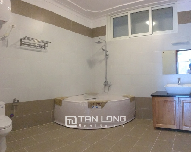 House for rent with 4 bedrooms on To Ngoc Van street, Tay Ho district! 9