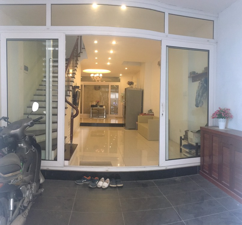 House for rent with 4 bedrooms on Trinh Cong Son street, Tay Ho district!