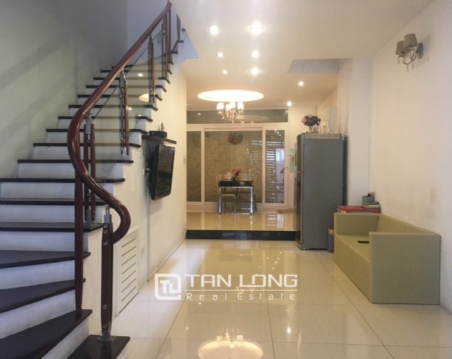 House for rent with 4 bedrooms on Trinh Cong Son street, Tay Ho district! 3