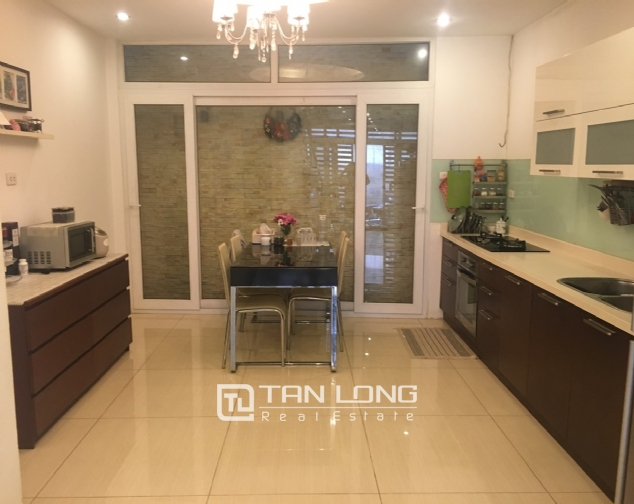House for rent with 4 bedrooms on Trinh Cong Son street, Tay Ho district! 4