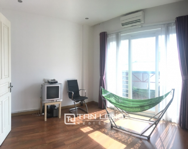 House for rent with 4 bedrooms on Trinh Cong Son street, Tay Ho district! 1