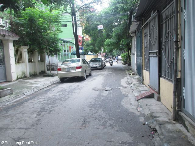 House for sale in Hoang Ngoc Phach street, Dong Da district, Hanoi. 4