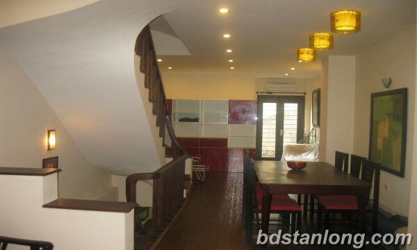House in Au Co, Tay Ho for rent